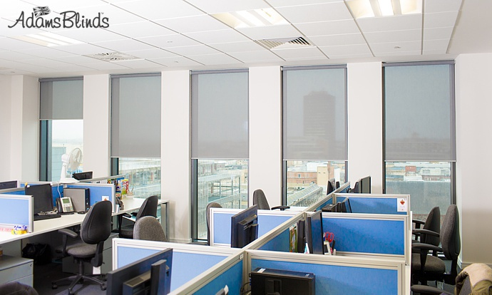office-blinds-sunscreen-blind-fitter-in-london