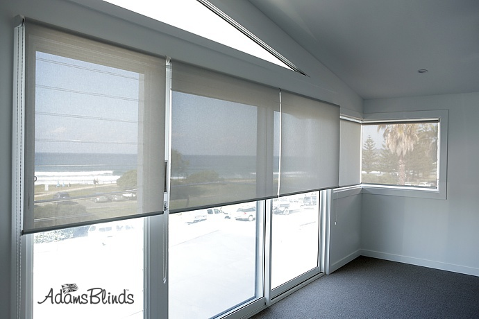sunscreen-screen-roller-blinds-with-fitting-services-in-london