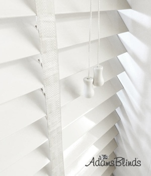 gloss_white_blind_with_ladder_tapes_wooden_blind_fitters_london