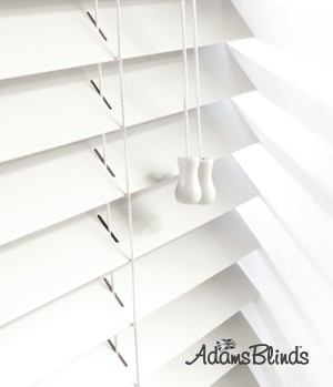 white_blind_with_ladder_strings_wooden_blind_fitters_london2