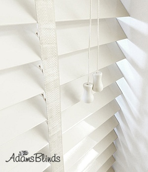 white_blind_with_ladder_tapes__wooden_blind_fitters_london2