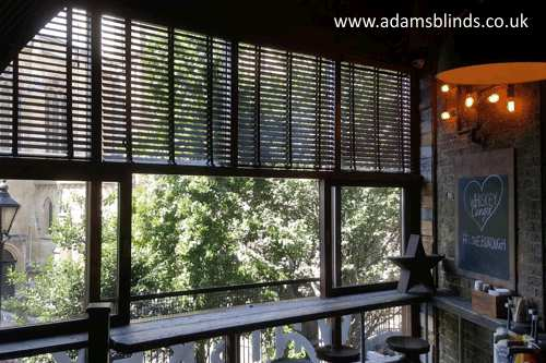 Blinds London Fitting Service Made To Measure